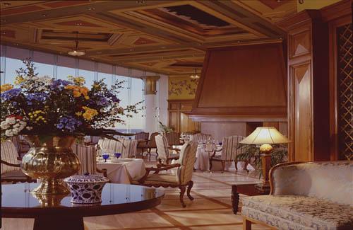 La_Luna_Ritz-Carlton