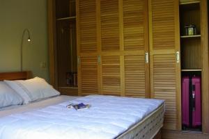 IMGP7243x bedroom2