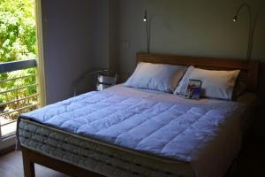 IMGP7247x bedroom1
